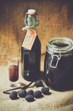 How to make homemade blackberry and vanilla vodka #moonshine
