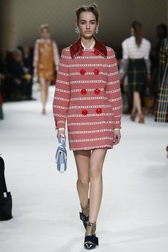 79b51f85bf9 MIU MIU AUTUMN   WINTER COLLECTION 2015   2016  EZONEFASHION Runway Fashion