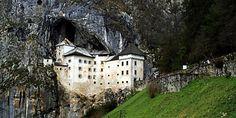 Castelo na rocha é atração surreal da Eslovênia