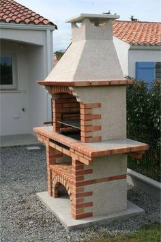 BBQ and ovens-Portuguese Brick BBQ - Travel tips - Travel tour - travel ideas Barbecue Garden, Outdoor Barbeque, Outdoor Oven, Outdoor Fire, Brick Grill, Stone Bbq, Built In Braai, Outside Fireplace, Barbecue Design
