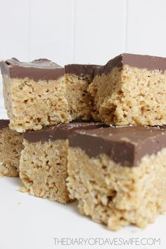 Peanut Butter Rice Crispy Bars- A very simple dessert to whip up and SO yummy! This recipe saved me at the last minute after my other dessert failed. Just Desserts, Cookie Desserts, Cookie Recipes, Delicious Desserts, Dessert Recipes, Yummy Food, Bar Recipes, Cereal Treats, Rice Krispie Treats