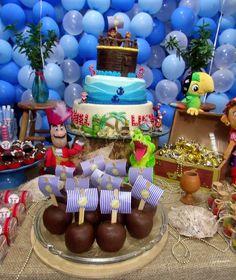 Festa Infantil - Jake e os Piratas da Terra do Nunca. Bolo e Maçãs.