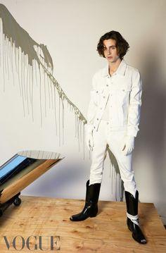 Jacket and jeans, both Sandro. Boots, Calvin Klein 205W39NYC. Top, Schiesser. Gloves, Sermoneta.