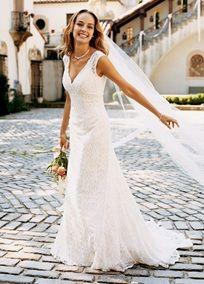 wedding dress/ romantic