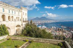 Conseils pour visiter Naples en 6 jours - JDroadtrip.tv, Voyager au féminin Mansions, Tv, House Styles, Advice, Villas, Tvs, Palaces, Mansion, Mansion Houses