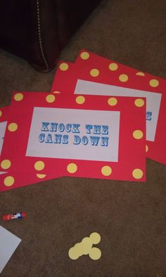 carnival birthday party signs made out of poster board & printed on legal paper - easy peasy! Carnival Signs, Carnival Themed Party, Carnival Birthday Parties, Carnival Themes, Circus Birthday, Circus Party, Boy Birthday, Birthday Ideas, Birthday Signs