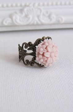 Dusty Pink Bouquet Flower Ring. Vintage Inspired