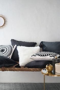 Embroidered cushion cover: Cushion cover in cotton with an embroidered motif, solid colour back and concealed zip. Living Room Pillows, Home Living Room, Room Inspiration, Interior Inspiration, Contemporary Cushions, Big Cushions, Embroidered Cushions, H&m Home, Decor Interior Design
