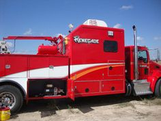 DSC04480.JPG - Photo of the new Renegade Wireline Company control truck preparing to perforate