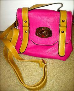 Free Blog Giveaway: Sophie & Trey Bag! www.melaniepacestyle.com @Melanie Pace