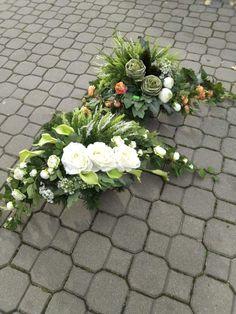 Diy Flowers, Flower Decorations, Vence, Cemetery Flowers, Gd, Funeral, Floral Arrangements, Floral Wreath, Wreaths
