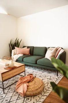 Earthy Living Room, Colourful Living Room, Boho Living Room, Living Room Decor Green Couch, Green Living Rooms, Living Room Couches, Colorful Couch, Simple Living Room, Warm Living Rooms