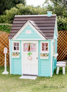 Building your little one a playhouse in the backyard will surely make them happy. However, you'll want it to be safe as well as beautiful. There are a few things you should know before you build a playhouse for kids. Kids Indoor Playhouse, Outside Playhouse, Playhouse Kits, Build A Playhouse, Wooden Playhouse, Simple Playhouse, Girls Playhouse, Backyard Playhouse, Transformation Project