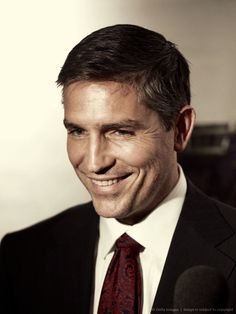 Jim Caviezel and John Reese - gif comparison http://magicb0x | Person of Interest CBS