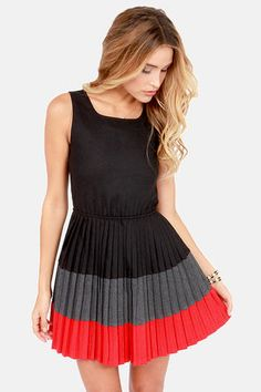 Lavand Kiss the Miss #ColorBlock Black #Dress Get 7% cash back http://www.stackdealz.com/deals/LuLu-s-Coupon-Codes-and-Discounts--/