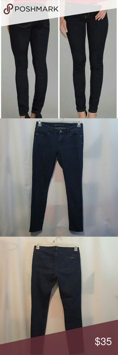 """Michael Kors Skinny jeans. Michael kors skinny jeans.Size 0 fits size 25..Inseam 28"""" Rise 7.in a good condition.Make me an offer. Michael Kors Jeans Skinny"""