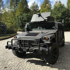 Just for fun I'm headed to publix for a gallon of milk and a dozen eggs. I swear if a cop stops me I'm  jumping on top of the turret  #sundayfunday #50cal #jk #jic #hmmwv #h1 #hummer #orh4x4