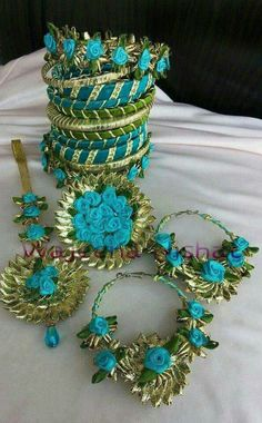 Gota jewel Silk Thread Bangles Design, Silk Bangles, Flower Jewellery For Haldi, Flower Jewelry, Gota Patti Jewellery, Antic Jewellery, Marriage Jewellery, Bride Accessories, Fabric Jewelry