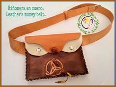 Riñonera en cuero a dos tres colores y repujada. Hecho a mano. Leather's money belt to three colours.