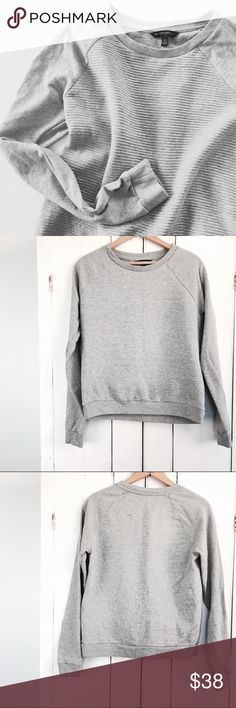 """🆕Listing! Banana Republic ribbed gray sweatshirt Banana Republic gray ribbed sweatshirt. Beautiful, quality texture and design. Size medium. Layer with a white button up underneath!   19"""" bust  21"""" long Banana Republic Tops Sweatshirts & Hoodies"""