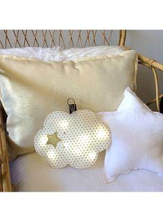 veilleuse nuage dor etoiles pas si sage d coration d 39 enfant boitier pile d coration. Black Bedroom Furniture Sets. Home Design Ideas