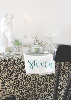 DIY+Napkins+(That+Double+As+Place+Cards!)