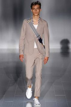 Gucci Spring 2015 Menswear Collection Slideshow on Style.com