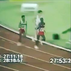 Trying to make track and field a contact sport , that chingaso help him finish sooner#Repost @dominicanstv ・・・ Mira se killo el 🙈🙈😂😂😂😂😂