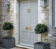Front Door Paint Colors - Want a quick makeover? Paint your front door a different color. Here a pretty front door color ideas to improve your home's curb appeal and add more style! Front Door Entrance, Front Entrances, Entrance Ideas, Gray Front Doors, Door Ideas, Entrance Halls, Country Front Door, Beautiful Front Doors, Hallway Ideas