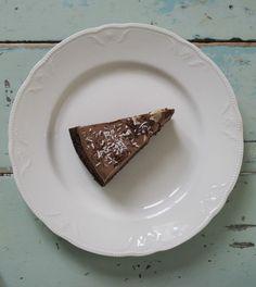 helppo gluteeniton ja maidoton suklaakakku