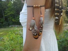 New to dieselboutique on Etsy: Real Feather Armband Native American style upper arm indian Feathers Indian Warrior free people tribal armband woodland armlet USD) Native American Fashion, Native American Jewelry, American Clothing, Hair Jewelry, Boho Jewelry, Tribal Jewelry, Boho Gypsy, Tribal Armband, Indian Costumes