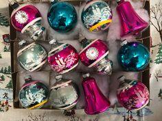 Hand Blown Glass Retro Christmas Vacuum Ornament NWT Red Green Silver Glitter