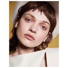 いいね!323件、コメント5件 ― Ezra Patchett 🌎さん(@thepatchett)のInstagramアカウント: 「Vogue spain with O L E N A @olenkakets  @voguespain Styling @mariannekrauss #makeup #hair…」