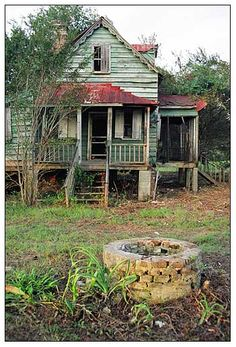 HUTCHINSON HOUSE, Edisto Island, SC. The house is the oldest Freedman's house on the island.