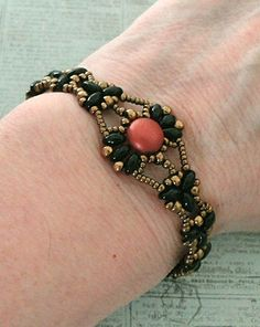 Linda's Crafty Inspirations: Bracelet of the Day: Isabelle - Red & Jet