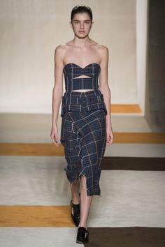 Victoria Beckham | Fall 2016 Ready-to-Wear | 01 Grey houndstooth strapless midi dress