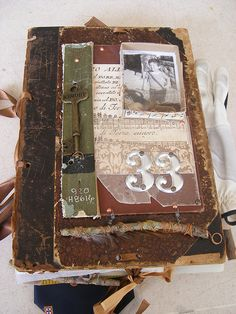 altered book by alexcastroferreira. This is an amazing book and gives me great ideas for one I had in mind.