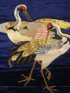 Japan, fukusa from Meiji period It has 2 beautiful standing up cranes pattern, which is embroidered Chinese Embroidery, Embroidery Art, Japanese Textiles, Japanese Art, Dog Paintings, Silk Painting, Bird Art, Asian Art, Fiber Art