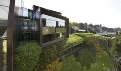 Regional Chamber of Commerce and Industry / Chartier-Corbasson Architects