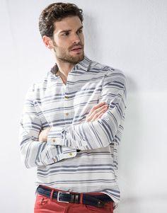 CORTEFIEL  camisa con cuello de polo.  Precio: 49,99€