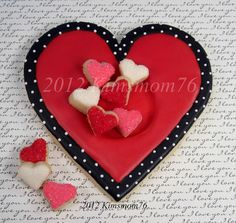 Next year I'm going to try adding some black/white polka dots for Valentine's designs...love the look