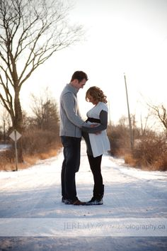 maternity photography couples outdoors