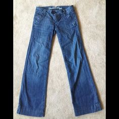 "American Eagle jeans size 0 American eagle trouser jeans. Size 0 short- 31"". 9"" leg opening. Slit front pockets, button back pockets. Thigh width 8"" and 7"" front rise. Jeans are in great condition- no rips, stains or fraying. ❌no trades ❌ lowball offers American Eagle Outfitters Jeans Boyfriend"