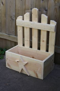 Unique Primtiques Primitive Star Wooden Picket Fence Planter Box Wood Douglas…