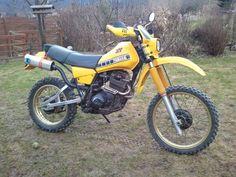 Moto Enduro, Enduro Motorcycle, Scrambler, Enduro Vintage, Vintage Bikes, Retro Bikes, Scooters, Dirtbikes, Ideas