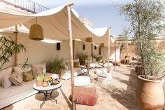 Offering an indoor pool, Riad Farhan is located in Marrakech. Outdoor Restaurant Patio, Rustic Restaurant, Outdoor Cafe, Outdoor Seating, Outdoor Rooms, Outdoor Living, Terrasse Design, Balkon Design, Cafe Shop Design
