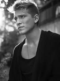 Danny Saucedo: Swedish Singer and Idol Contestant How Ya Doin, Black And White Face, Pop Singers, Beautiful One, Male Models, Top Models, Man Crush, Eye Candy, Idol