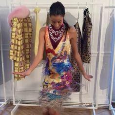 @marykatrantzou criou uma coleção que tem duas vertentes: fantasia e filme noir. Vogue ama o look de franjas tendência absoluta da temporada! (via @danielafalcao1 @srogar @donatameirelles @brunoastuto) #voguenapfw #marykatrantzou  via VOGUE BRASIL MAGAZINE OFFICIAL INSTAGRAM - Fashion Campaigns  Haute Couture  Advertising  Editorial Photography  Magazine Cover Designs  Supermodels  Runway Models