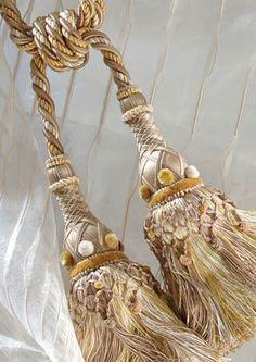 Salammbo tassels by Declercq Passementiers