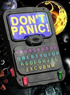Resultado de imagem para don't panic guia do mochileiro